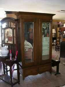 Antique Amoire (Crystal Springs, MS For Sale In Jackson, Mississippi