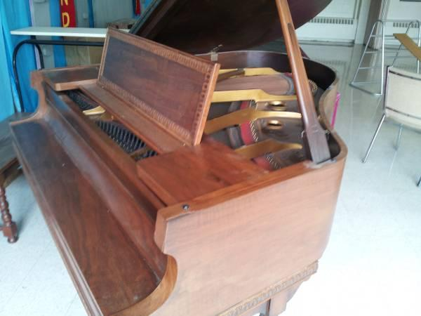Antique Baby Grand Piano For Sale - $1000