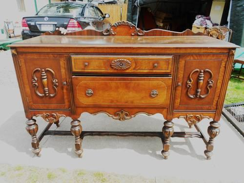 ANTIQUE BASSETT SIDEBOARD, CHINA CABINET 1900'S ALSO 6 - ANTIQUE BASSETT SIDEBOARD, CHINA CABINET 1900'S ALSO 6 CHAIRS