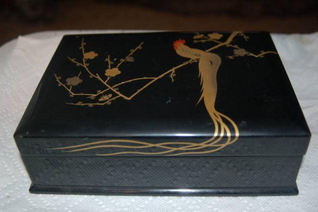 Antique Black Lacquer Oriental Jewelry Box For Sale In