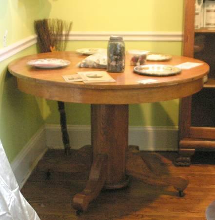 Antique Blonde Oak Round Pedestal Table On Castors For