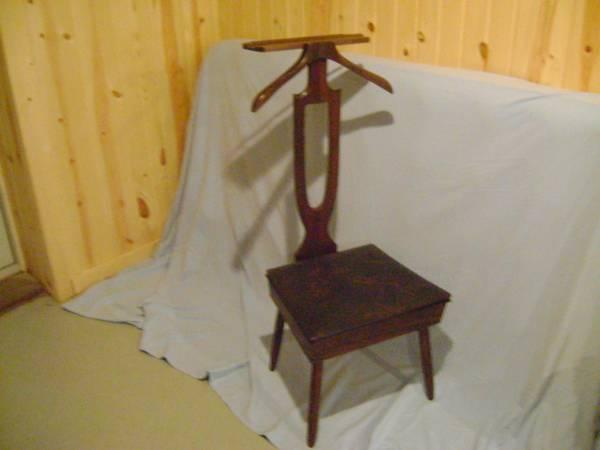 new and used furniture for sale in north terre haute indiana buy rh northterrehaute americanlisted com antique baby butler high chair Antique Butlers Chair Brass
