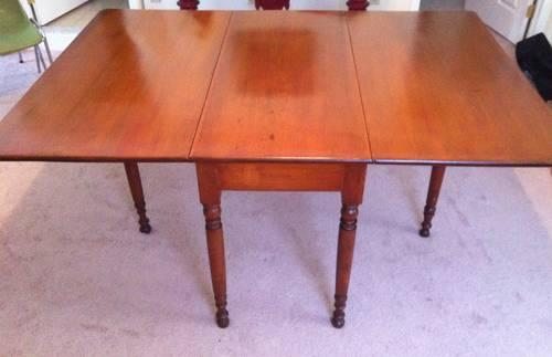 Antique Cherry Drop Leaf Table   Beautiful Solid Wood