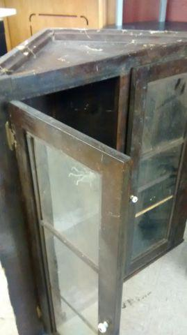 ANTIQUE CORNER WALL MOUNTED CABINET FLOW GLASS