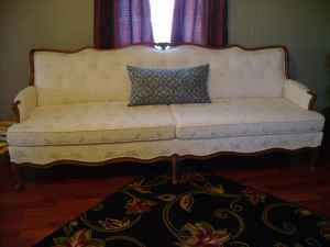 antique couch new iberia for Sale in Lafayette