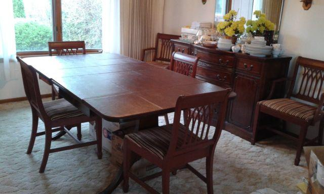 Antique Dining Room Table & Chairs Set/Side Buffet & - Antique Dining Room Table & Chairs Set/Side Buffet & Mirror For Sale