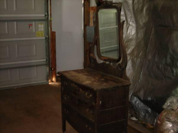 Antique Dresser Vanity with Mirror - $99 - Antique Dresser Vanity With Mirror - For Sale In Phillips