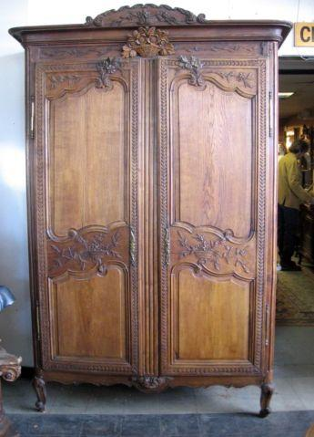 antique early 1900 39 s tall oak armoire cabinet for sale in. Black Bedroom Furniture Sets. Home Design Ideas