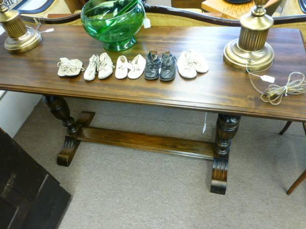 Antique Elizabethan Walnut Wood Sofa Table For Sale In