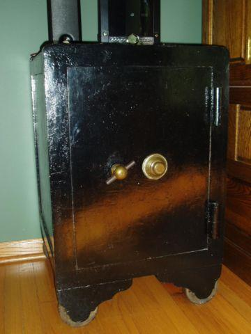 Antique Floor Safe For Sale In Orland Park Illinois