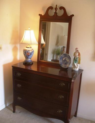 Antique Mahogany Chest of Drawers and Mirror - $225 Shreveport - Broadmoor