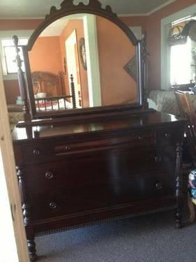 Antique Mahogany Dresser With Mirror By Tomlinson Chair Co