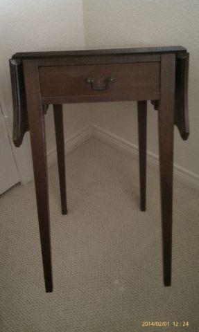 antique mahogany drop leaf end tables - Antique Mahogany End Tables