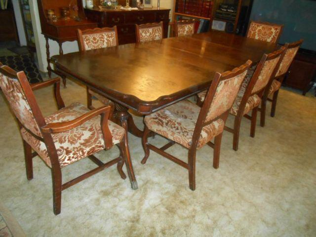 ANTIQUE MAHOGANY TABLE, 3 LEAVES  8 CHAIRS