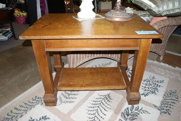 ANTIQUE OAK LIBRARY TABLE WITH SHELF IN GREAT CONDITION