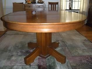 Antique Oak Mission-style Table w/ chairs (Reduced)