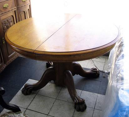 Antique Oak Round Lion Claw Feet Dining Room Table For