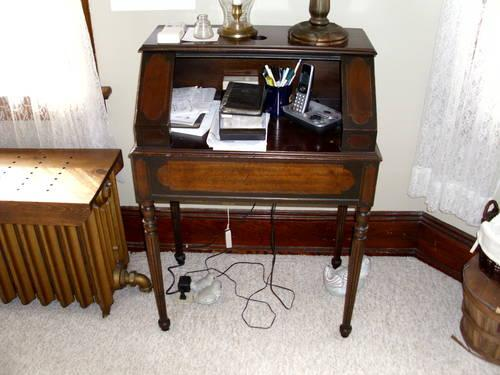 Antique phone table - top opens - 26 - Antique Phone Table - Top Opens - 26