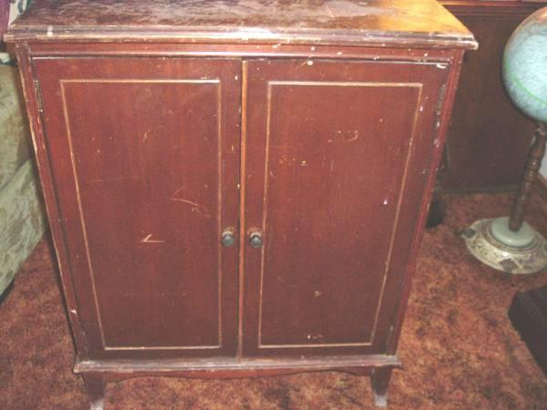Antique radio or phonograph cabinet - $50 - Antique Radio Or Phonograph Cabinet - For Sale In Fort Seneca, Ohio