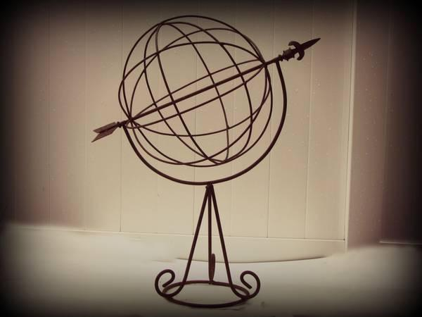 Antique Rustic Iron Garden Arrrow Globe Weather Vane -