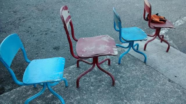 ANTIQUE SCHOOL CHAIRS QTY 4