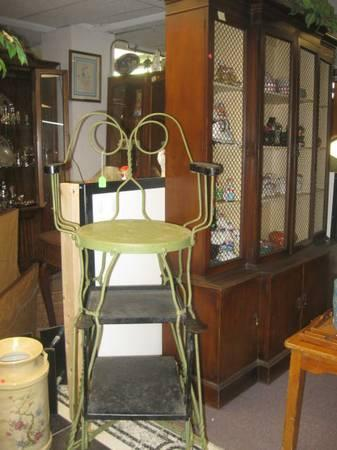 Antique Shoe Shine Chair For Sale In Philadelphia