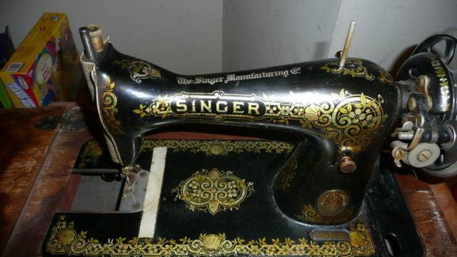 ANtique Singer Manufacturing Co Sewing Machine For Sale In Beauteous The Singer Company Sewing Machines