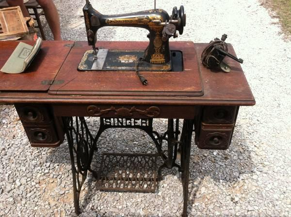Singer Sewing Machine Cabinet Antique Classifieds Buy Sell Unique Antique Singer Sewing Machine In Cabinet For Sale
