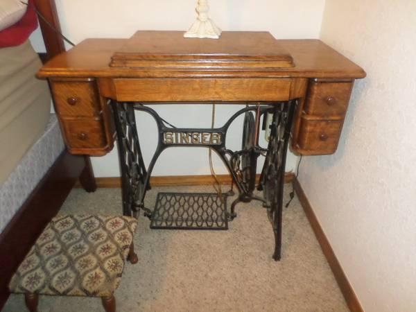Antique Singer Treadle Sewing Machine and Cabinet - - Antique Singer Treadle Sewing Machine And Cabinet - For Sale In