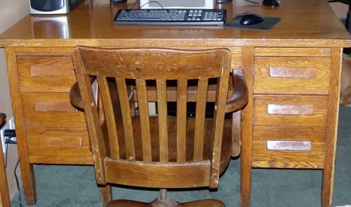 Sensational Antique Solid Oak Desk And Chair For Sale In Wheeler Dailytribune Chair Design For Home Dailytribuneorg