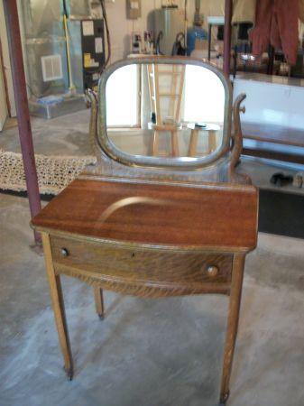 Antique Tiger Oak Makeup Vanity Linden For Sale In