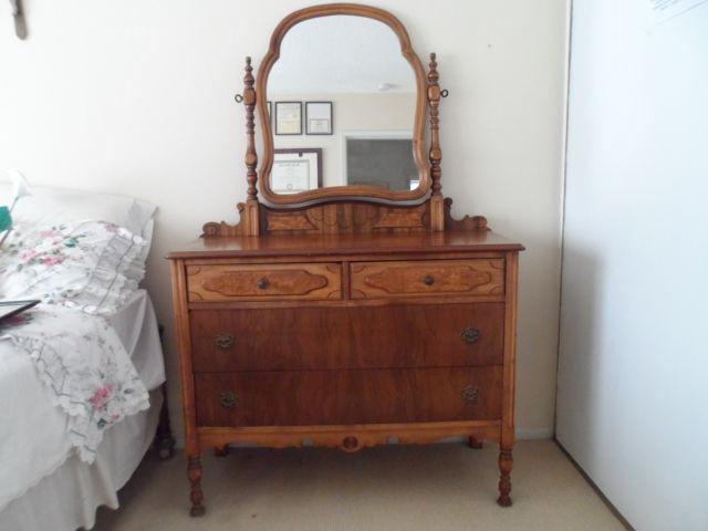 ANTIQUE VANITY TWO TONG WOOD W/MIRROR 2 LARGE DRAWERS,
