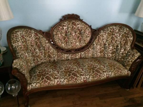 Antique Victorian Sofa 400