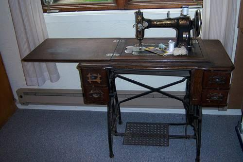white rotary treadle sewing machine serial numbers