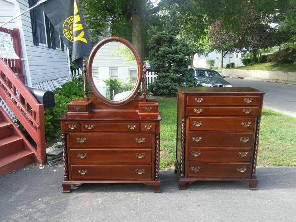 Antique Willett Wildwood Cherry Dresser Set For Sale In