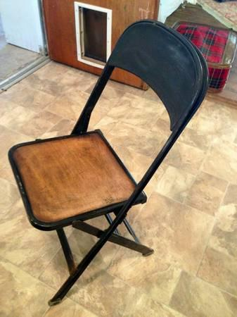 Antique Wood And Metal Folding Chairs 30