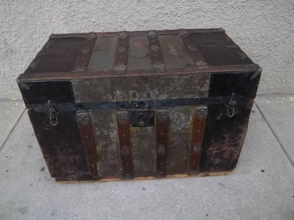 Antique wood metal steamer trunk hope chest w ornate for Reclaimed wood colorado