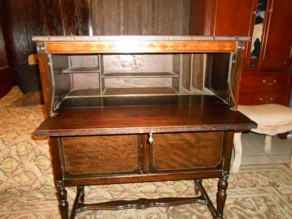 ANTIQUE WRITING DESK FROM EARLY 1900 W/STORAGE CABINET - ANTIQUE WRITING DESK FROM EARLY 1900 W/STORAGE CABINET DELIVERY