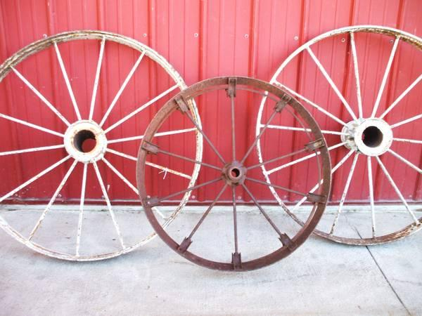 Antiques Furn Signs Wagon Wheels Quilts  GUNS Smoke Stands