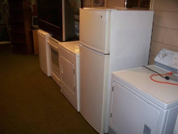 Apartment Size Refrigerator for Sale in Peoria, Illinois ...