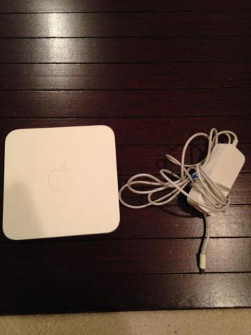 Apple AirPort Extreme Base Station -