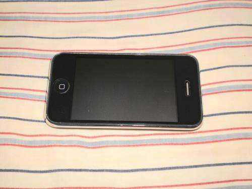 Apple iPHONE 3g - 8 gb L@@K