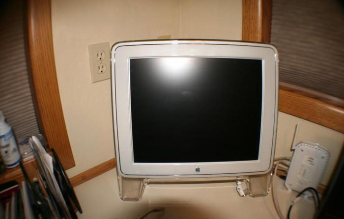 Apple Mac Monitor - $30 SW Bend