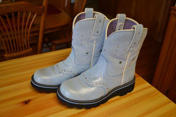 Ariat Fat Baby Boots - $50 Mountain Lake