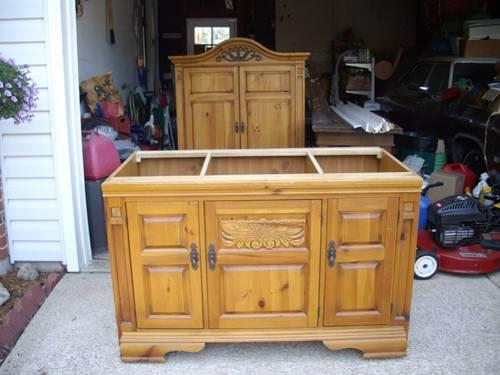 Armoire/TV Cabinet Broyhill Fontana for Sale in Black ...