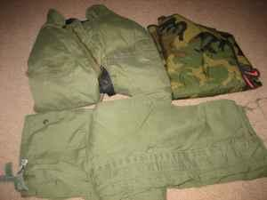 Army Style pants  jacket - $20 Grant Pass