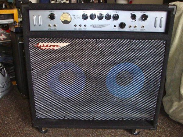 Ashdown Bass Amp Ashdown Mag 300w 2x10 Bass Amp