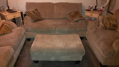 Exceptionnel ... Fort Wayne, Indiana · Ashley Furniture   $700