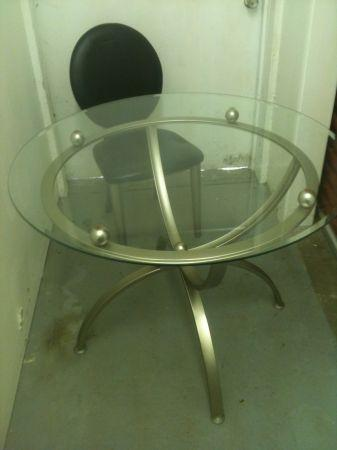 Ashley Furniture Glass Kitchen Table W 4 Chairs Look At Pics Tuscaloosa Al For Sale