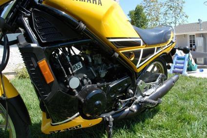 authentic 1984 Yamaha RZ-350 Kenny-Roberts signature edition